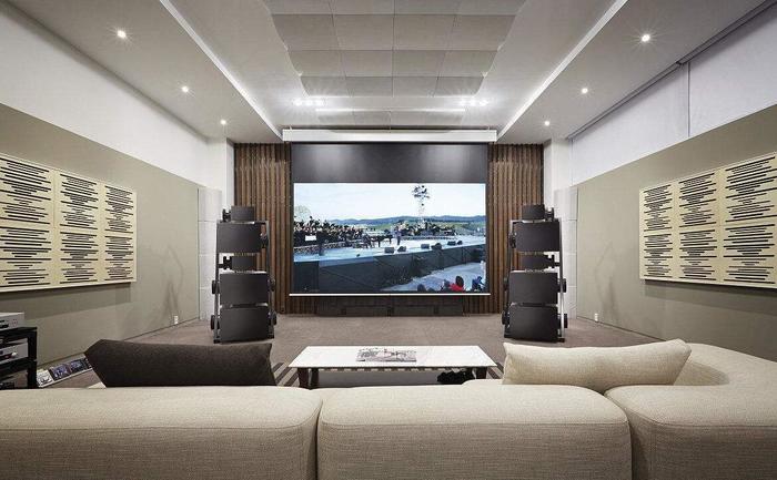 家庭影院一般需要多大的功率?家庭影院用什么播放?