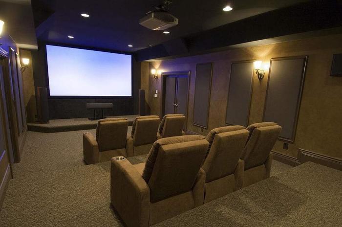 家庭影院用什么软件好?丹麦达尼家庭影院多少钱?